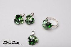 Set cu pandantiv, inel și cercei din cristale swarovski cu baza din argint 925! #bijuterii #swarovski #argint #simoshop Swarovski, Stud Earrings, Jewelry, Jewlery, Jewerly, Stud Earring, Schmuck, Jewels, Jewelery