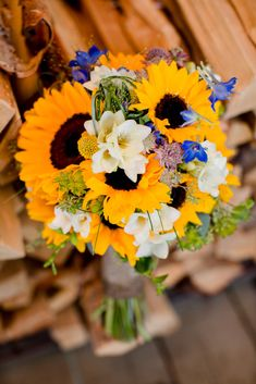 Summer sunflower bouquet by ENV Photography   Two Bright Lights :: Blog