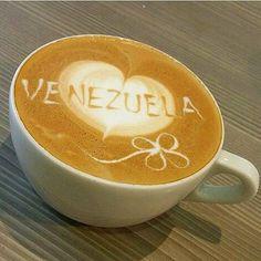 A R O M A  D I  C A F F  É  . Feliz día del trabajo les desea #AromaDiCaffé. . Mañana estaremos de vuelta con la pasión por el café que nos caracteriza. . . Fotografía: Créditos a su autor. .  . #AromaDiCaffé#Café#Coffee#CoffeeBreak#CoffeeTime#CoffeeMoments#CoffeeLovers