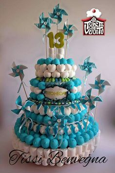 Tarta de #chuches - Candy cake - Gâteau de bonbons - Snoeptaart Candy S, Candy Cakes, Candy Party, Cupcake Cakes, Cake Sizes And Servings, Cake Servings, Edible Centerpieces, Marshmallow Cake, Bar A Bonbon
