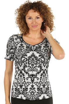 Black and White Lace Detail Short Sleeve Top  http://www.charlottegold.co.uk/black-and-white-lace-detail-short-sleeve-top/