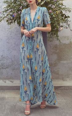 Get inspired and discover Luisa Beccaria trunkshow! Shop the latest Luisa Beccaria collection at Moda Operandi. Look Fashion, Fashion Show, Womens Fashion, Fashion Design, 90s Fashion, Fashion Trends, Day Dresses, Casual Dresses, Fashion Dresses