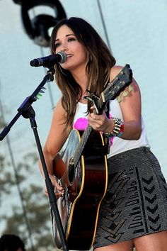 Kacey musgraves is the most talented country singer I love her so much