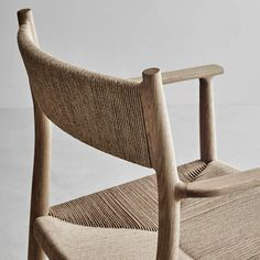 Small Accent Chairs For Bedroom Refferal: 7631962934 Handmade Furniture, Modern Furniture, Furniture Design, Plywood Furniture, Black Dining Room Chairs, Accent Chairs For Living Room, Lounge Chairs, Chair Design Wooden, Design Apartment