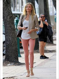 What to wear with light pink jeans