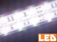 Sklep AQUA-LIGHT.pl poleca POLSKIE PRODUKTY! Dodatkowe oświetlenie LED wspomagające tradycyjne oświetlenie w akwarium lub terrarium. Stosowane może być też jako oświetlenie w gablotach i regałach.  Lampki GLASS LED o barwie światła białej zimnej 6000K prszeznaczone są do montażu w akwariach z pokrywą akwarystyczną - różne modele do różnych dłuości pokryw. Zapraszamy do sklepu aqua-light.pl! Szybko - bezpiecznie - profesjonalnie! LED, lighting, aquarium, akwarium słodkowodne.