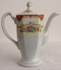 Exquisite Vintage Porcelain Japanese Teapot