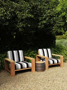 Maxi Armchairs with 44 side table