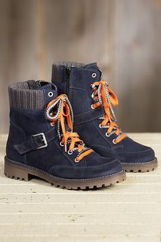 MUST HAVE!!!! $210  Overland Boots