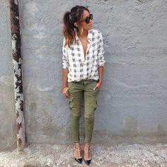 loose blouse, tight pants.