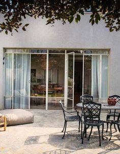 Outdoor Seating, Outdoor Decor, Garden Design, House Design, Natural Building, Backyard, Patio, House Entrance, Indoor Outdoor Living