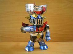 esculturas hechas con latas de aluminio_005