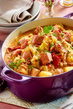 Szeged Kasseler goulash – I can't imagine anything more delicious on cold days. Szeged Kasseler goulash – I can't imagine anything more delicious on cold days. Italian Recipes, Beef Recipes, Soup Recipes, Vegetarian Recipes, Chicken Recipes, Cooking Recipes, Recipe Chicken, Goulash, Healthy Eating Tips