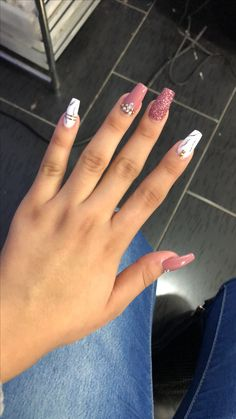 8 Fantastic Pink Nail Designs Glitter Color Combos 2019 : Have a look! Pink Nail Designs, Acrylic Nail Designs, Gorgeous Nails, Pretty Nails, Fantastic Nails, Simple Acrylic Nails, Mauve Nails, Powder Nails, Nagel Gel