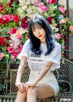 Kpop Girl Groups, Korean Girl Groups, Kpop Girls, Gfriend Yuju, Ginger Girls, Photo Sketch, Korean Entertainment, G Friend, Girl Bands