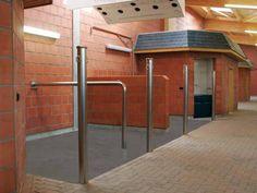 Equine barns - wash stall / grooming stall