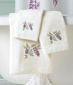 """Embroidered Fingertip//Hand Towel 11x18 Cat /""""All About Me!/"""" 18 colors"""