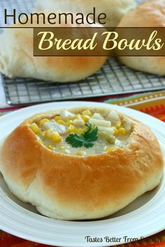 Simple and delicious Homemade Bread Bowls are perfect for dinner. Add some warm soup and you have a perfect meal for family and friends! Homemade Bread Bowls, Homemade Breads, Homemade Food, Bread Recipes, Cooking Recipes, Copycat Recipes, Low Calorie Recipes, Love Food, Pizza