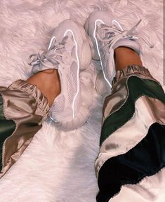 Adidas × Yeezy 500 💥 ~ Flw : shn_moodcrly ~ on We Heart It Dior Shoes, Balenciaga Shoes, Shoes Heels, Buy Shoes, Chicks In Kicks, Shoe Room, Adidas Official, Yeezy 500, Baskets
