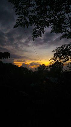 Sunrise - Photography, Landscape photography, Photography tips Best Sunset, Sunset Sky, Sunrise Sunrise, Pretty Sky, Beautiful Sky, Tumblr Photography, Nature Photography, Landscape Photos, Landscape Photography