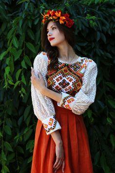 Fashion style of Ukraine Folk Fashion, Ethnic Fashion, Hijab Fashion, Ukraine Women, Russian Wedding, Ethno Style, Mexican Dresses, Embroidered Clothes, Embroidery Fashion
