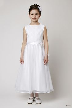 Weise Kommunionkleider - PrinCipessa Girls Communion Dresses, Girls Dresses, Flower Girl Dresses, Tulle, Wedding Dresses, Hair Styles, Stylish Hairstyles, Amelie, Fashion