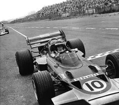 The history of Grand Prix Racing through the lives of its greatest drivers, people and events. The history of Formula Formula 1 History Jochen Rindt, Lotus F1, The Fl, One Championship, Car Engine, Formula One, Grand Prix, Sport Outfits, Race Cars