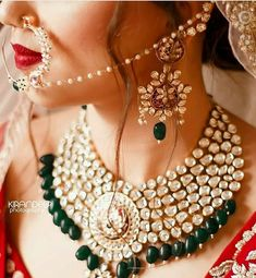 Jewelry OFF! Wearing off-beat colors over the classic red lehenga is what we call this season's latest fashion! Indian Bridal Jewelry Sets, Bridal Accessories, Indian Accessories, South Indian Jewellery, Schmuck Design, Look At You, Jewelry Trends, Jewelry Ideas, Bridal Style