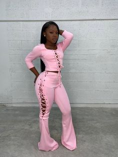 Mar 2020 - ❤ All clothing dispatches between business days. ❤ Allfur products have a processing time of business day before dispatch. Black Girl Fashion, 90s Fashion, Vintage Fashion, Fashion Looks, Fashion Outfits, Fashion Quiz, Classic Fashion, Boho Fashion, Pink Outfits