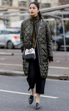 Street Style : Day Eight Paris Fashion Week Womenswear Fall/Winter Pictures and Photos Fashion Week Paris, Autumn Street Style, Street Chic, Mode Outfits, Fashion Outfits, Fashion Trends, Caroline Issa, Winter Mode, Winter 2017