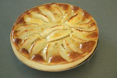 Tarte aux pommes Normande - Recette Olivia Pâtisse Apple Pie, Biscuits, Food And Drink, Dessert Recipes, Cake, Quiche, Pastries, Sweet Pie, Cooking Food