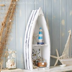 Exceptionnel Boat Display Shelf