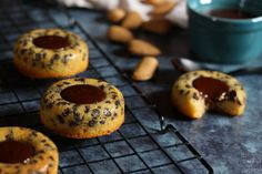 Les tigrés au chocolat de Cyril Lignac   Le Tablier Gourmet Chocolate Lovers, Doughnut, Biscuits, Caramel, Muffins, Breakfast, Plaque, Food, Deco