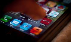 Si somos seguidores de varias series, puede que quizás nos resulte complicado recordar qué día u hora se emiten, sobre todo con las series online. Pero Netflix podría tener la solución, pues un usuario de Twitter ha reportado un sospechoso botón que podría ayudarnos a mejorar nuestra memoria.