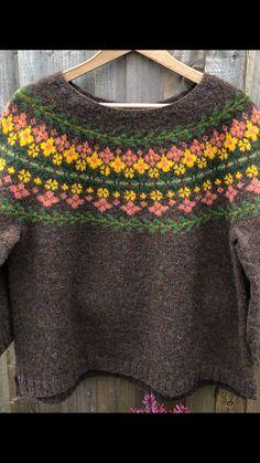 Birkin Sweater Fair Isle Knitting Patterns, Wooden Houses, Crochet Blankets, Birkin, Ravelry, Jumper, Crochet Necklace, Textiles, Colours