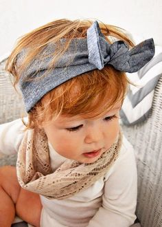 Handmade baby tube scarf (single loop- not double loop like infinity scarves) from a light weight material. Like adult snoods, there arent snaps Handmade Baby Clothes, Handmade Headbands, Baby Headbands, Baby Girl Fashion, Kids Fashion, Baby Baby Baby Oh, Knot Headband, Headband Hair, Tube Scarf
