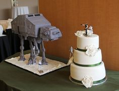 Star Wars Bride and Groom Cake - I guess if you love Star Wars??