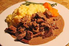Rindergeschnetzeltes mit Rosmarin-Balsamico-Sahnesauce, ein sehr schönes Rezept aus der Kategorie Saucen. Bewertungen: 68. Durchschnitt: Ø 4,0.
