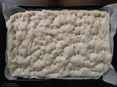 Focaccia cu rozmarin și sare de mare | Awfully Tasty Macaroni And Cheese, Tasty, Ethnic Recipes, Food, Mac And Cheese, Essen, Meals, Yemek, Eten