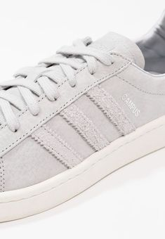 buy online c09ab a0df7 CAMPUS - EXCLUSIVE - Trainers - grey two offwhite silver metallic   Zalando. co.uk 🛒