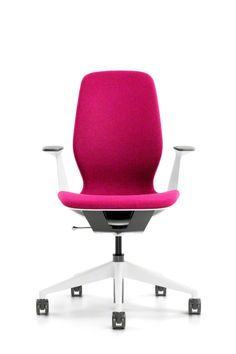 The alluring silhouette of SILQ creates a sense of sophistication in the office and it comes with the confidence that no matter where you sit, you'll feel good. #SILQchair