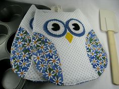 Daisy Owl Pot Holder for the kitchen by DogPawDesigns on Etsy, $24.32
