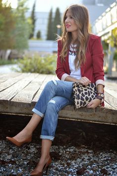 Amazing Outfit Combination For Red Blazer With Jeans 15 Red Blazer Outfit, Blazer Outfits For Women, Look Blazer, Blazer With Jeans, Fall Outfits, Cute Outfits, Fashion Outfits, Casual Chique, Look Casual