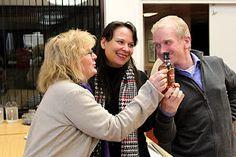 Maailmanparantajien on helppo hymyillä. Näkymätön pikkujoulu Petäys Resort:ssa Tyrvännöllä 26.-27.11.2011.
