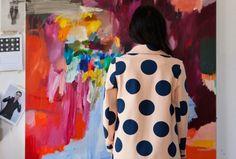 """Sie ist Künstlerin und Mitbegründerin des Möbellabels """"Something Beginning With"""". Laelie Berzon hat ihre Wurzeln in Lettland, doch sie lebt in Australien. Melbourne ist ihr Lebens- und Schaffensmittelpunkt."""