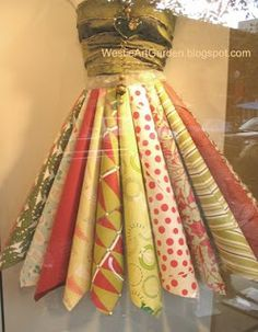 Westie, Art & Garden...by Candylei: Sewing Christmas Paper Clothes for Real Dolls