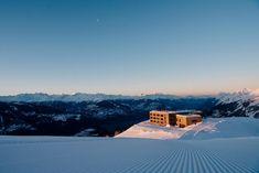 Hotels direkt an der Skipiste: 5 Tipps in Skigebieten der Schweiz Hotel Bellevue, Grindelwald, Hotels, All Over The World, Mount Everest, Mountains, Travel, Outdoor, Arosa