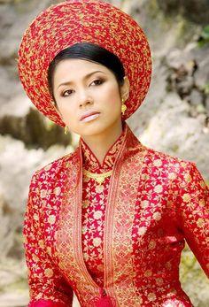 Ao Dai - the traditional dress of Vietnam