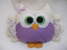Almofada de coruja, várias cores. Pode ser confeccionada na cor desejada R$ 60,00