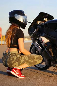 Hot Biker Girl in a Cool AGV Helmet with Her Kawasaki Ninja Motorcycle Ninja Motorcycle, Female Motorcycle Riders, Womens Motorcycle Helmets, Motorbike Girl, Motorcycle Boots, Biker Couple, Motorcycle Couple, Lady Biker, Biker Girl